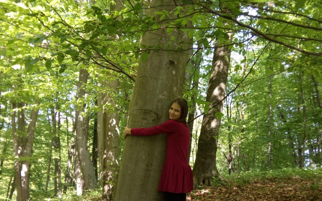 23. 4. 2020 – … objela sem svoje drevo, ki mi daje energijo …