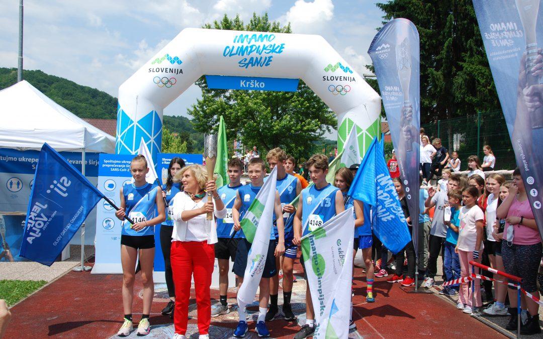 8. 6. 2021 – Svečani trenutek … Slovenska bakla na naši šoli